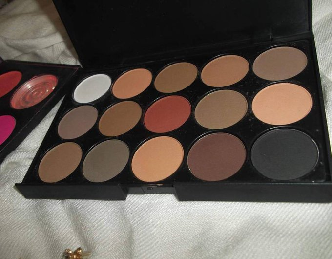 New blog post banggood fardspaupires palette makeupaddict makeuptnyout