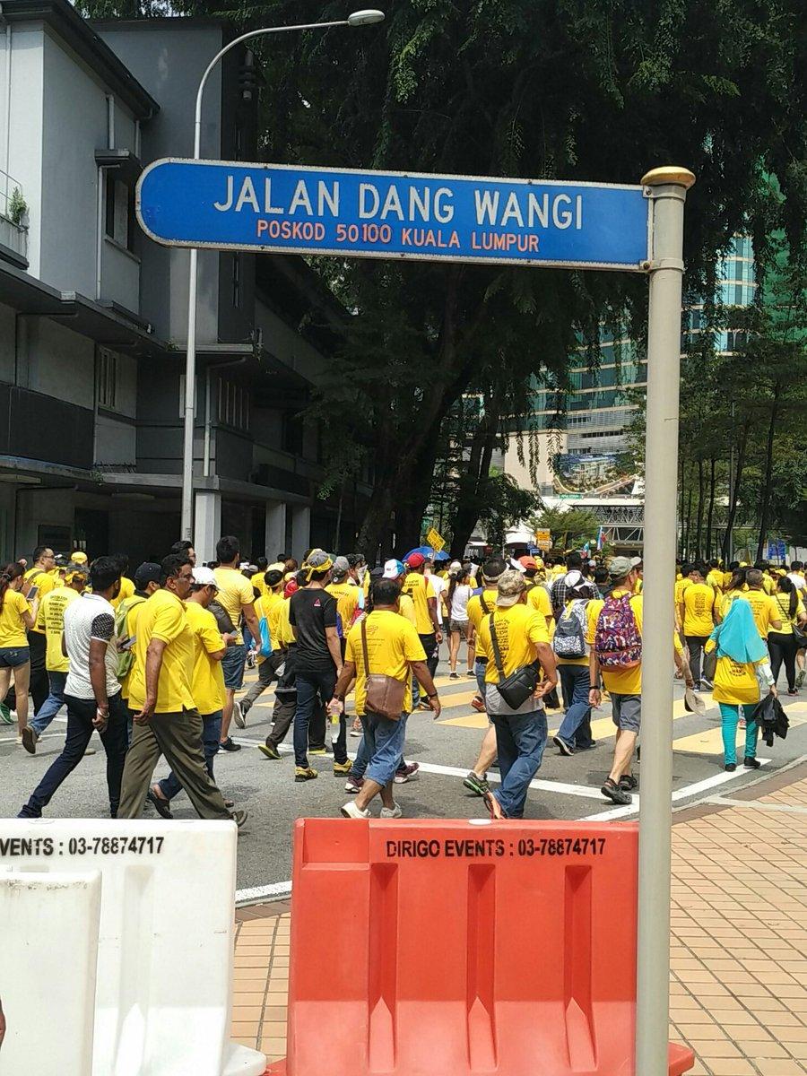 Heading to KLCC 1424hrs #Bersih5 https://t.co/axSIDETcHR