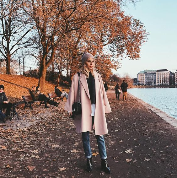 Golden hour in Hamburg via carodaur Carodaur ootd