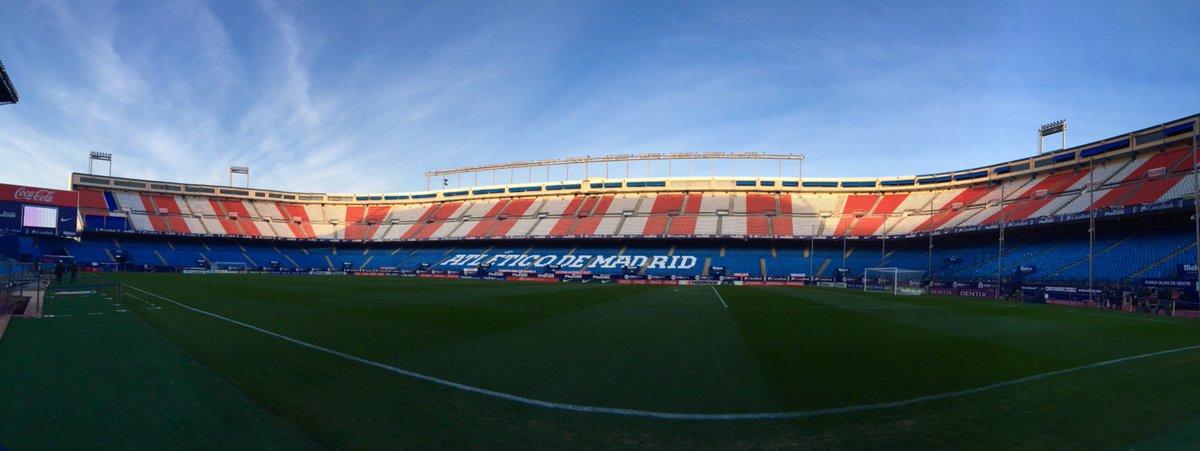 It&#39;s a beautiful evening for a derby...The last ever league derby at the Calderón. Vamos! #Madrid #RealMadridAtléticoMadrid #VicenteCalderón<br>http://pic.twitter.com/EzP3pbm1VC