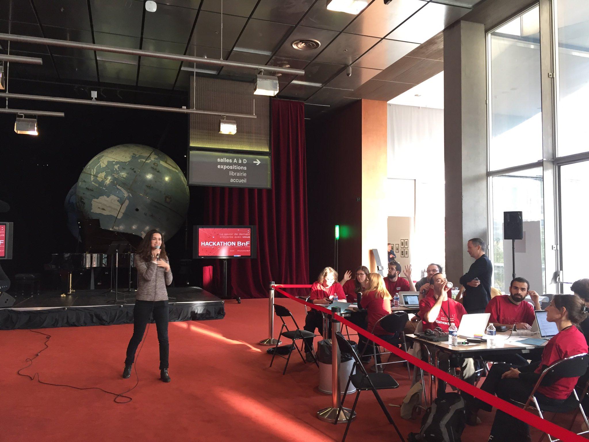. @roxannevarza souligne le nombre de femmes présentes aujourd'hui et les ressources mises à disposition pour le #hackathonBnf https://t.co/QQ4aMwySPx