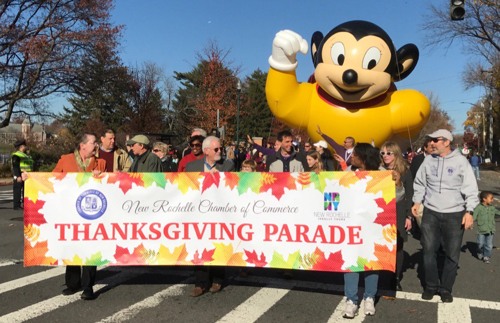 @newrochamber Thanksgiving Parade kicks off at corner of North & Easchester in New Rochelle https://t.co/PkILQieg5W