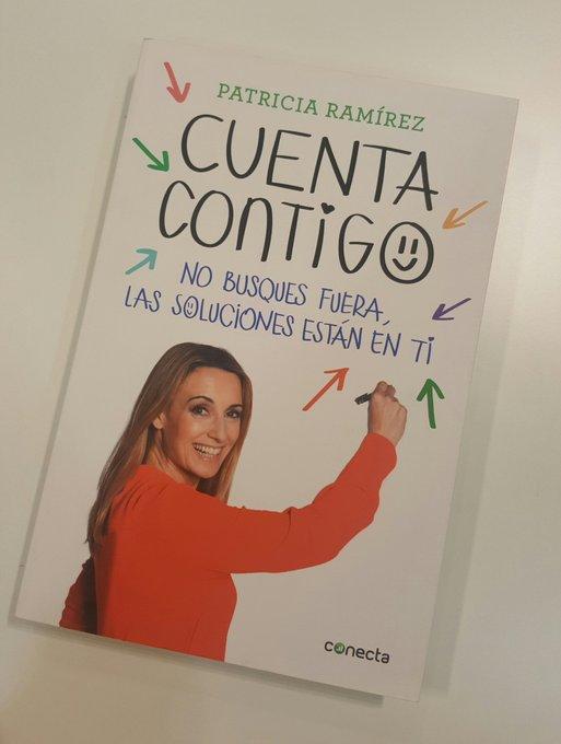He dejado ejemplares firmados de #CuentaContigo en @elcorteingles de #puertovenecia #Zaragoza 😊😊😊😊