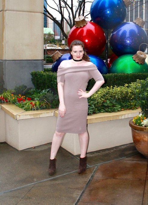The Holidays are coming! New OOTD is up wearing a Cupcakesandcashmere dress!