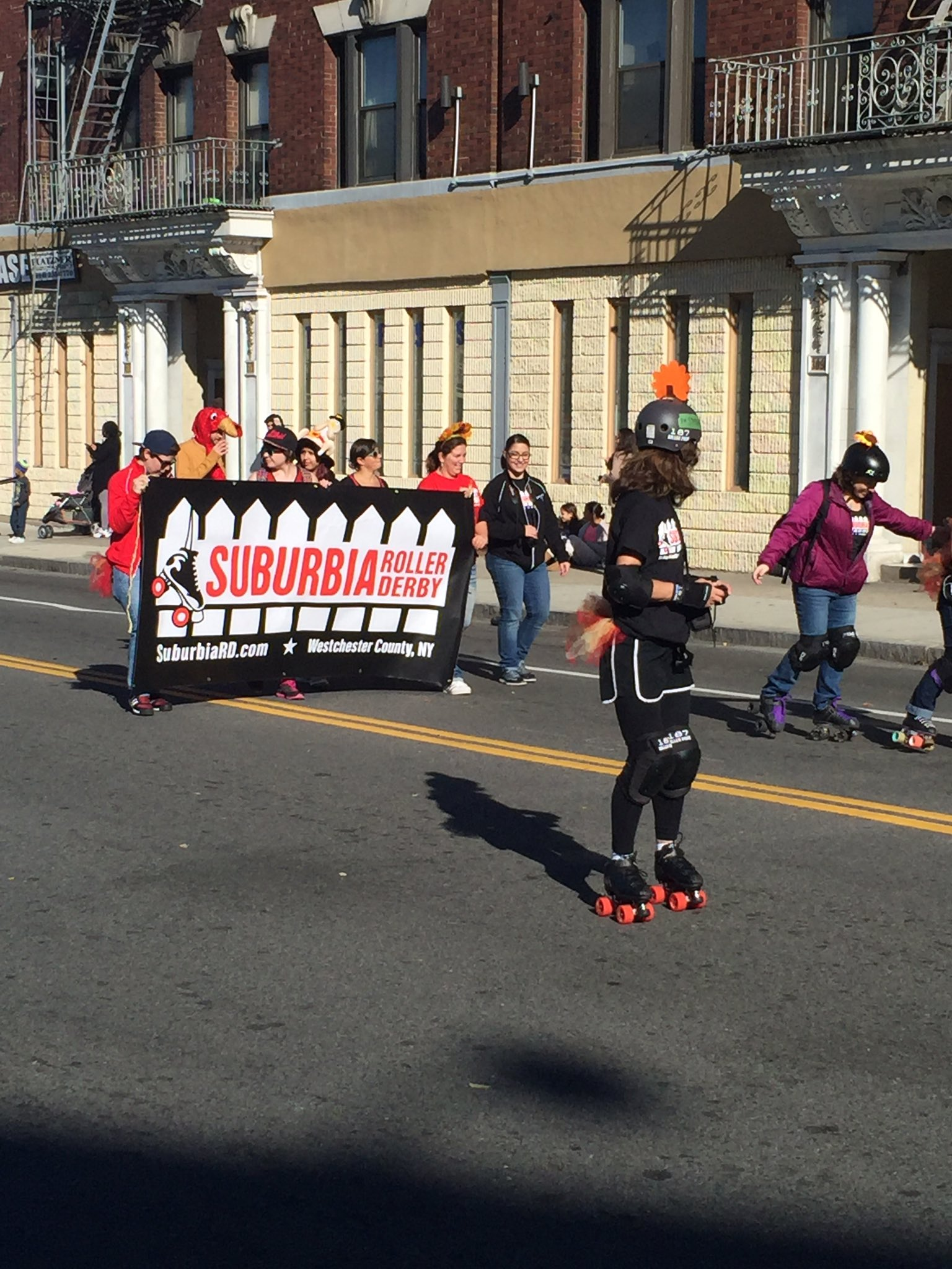 Great parade today @newrochamber @NewRochelleNY. We have a roller derby team?! Who knew. https://t.co/iHSrEt1B9d