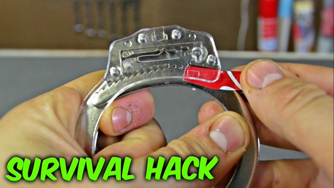 VIDEO: Can You Escape from Handcuffs with Soda Can lifehacks diy