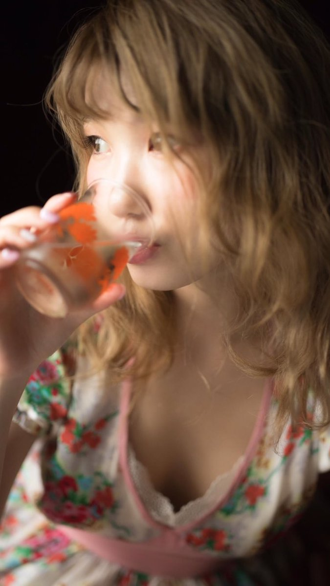 ラブライブ 南ことり役の内田彩写真集 発売決定 画像と意気込み
