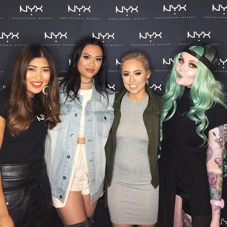 Love my @NYXCosmeticsAUS squaaaad ❤️ Hanging out at Sydney @IMATS ❤️