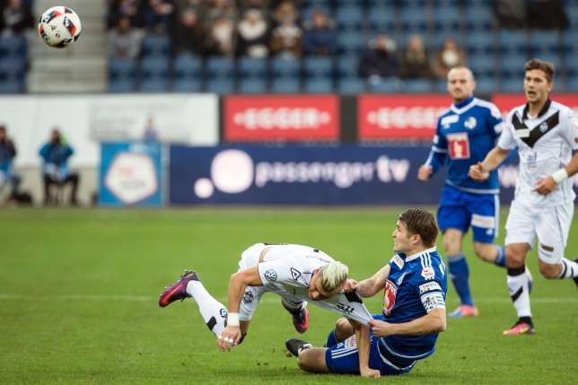 Alioski is being fouled; photo: FC Lugano