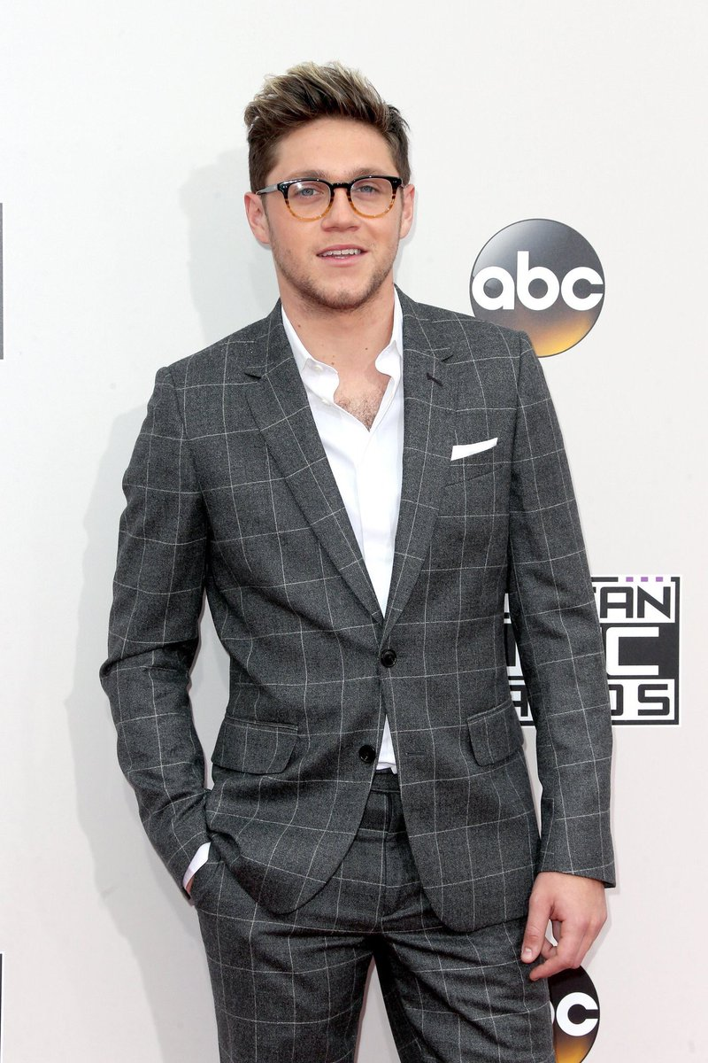 Why does Niall Horan always look like a tech billionaire who owns many small dogs https://t.co/oH32JzunQx