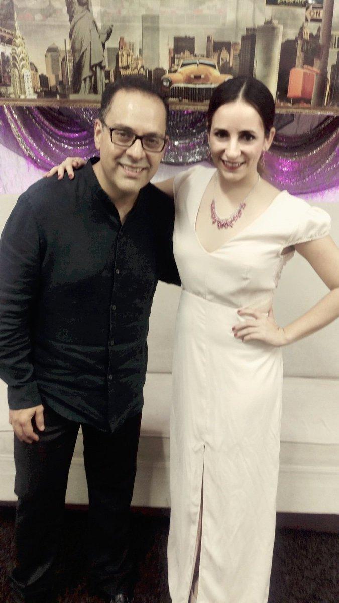 Aprendiendo de un excelente actor de Doblaje @mariofilio,  no te pierdas su entrevista por @AztecaYucatan https://t.co/ywWuN6CbPA