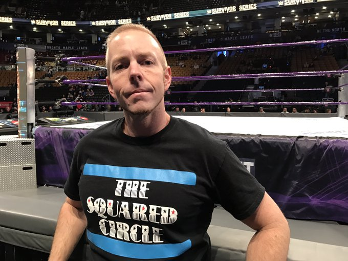 RT @WWESQDCircleGuy: Reppin @theSQDcircle FRONT ROW at #SurvivorSeries! @REALLiSAMARiE https://t.co/