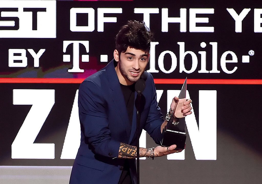 Congratulations to @zaynmalik who took home the Best New Artist of the Year award at the #AMAs while wearing Versace. #VersaceCelebrities
