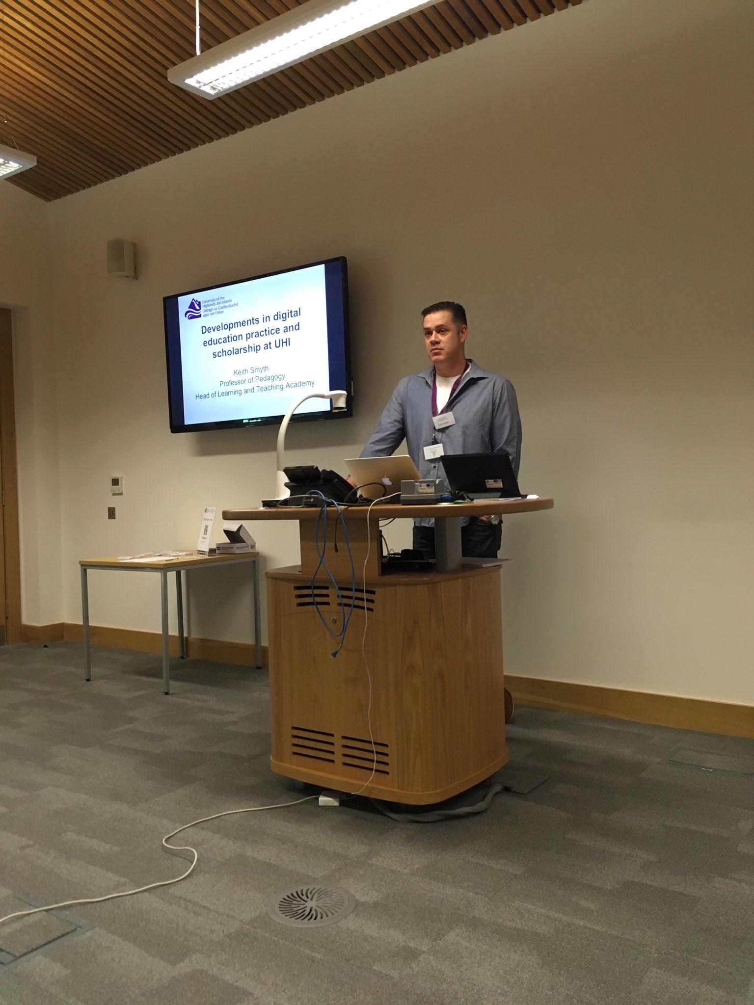 Keith Smyth @smythkrs talking about developments in digital education practice at @LTA_UHI #elesig https://t.co/OMmlQlVo8G