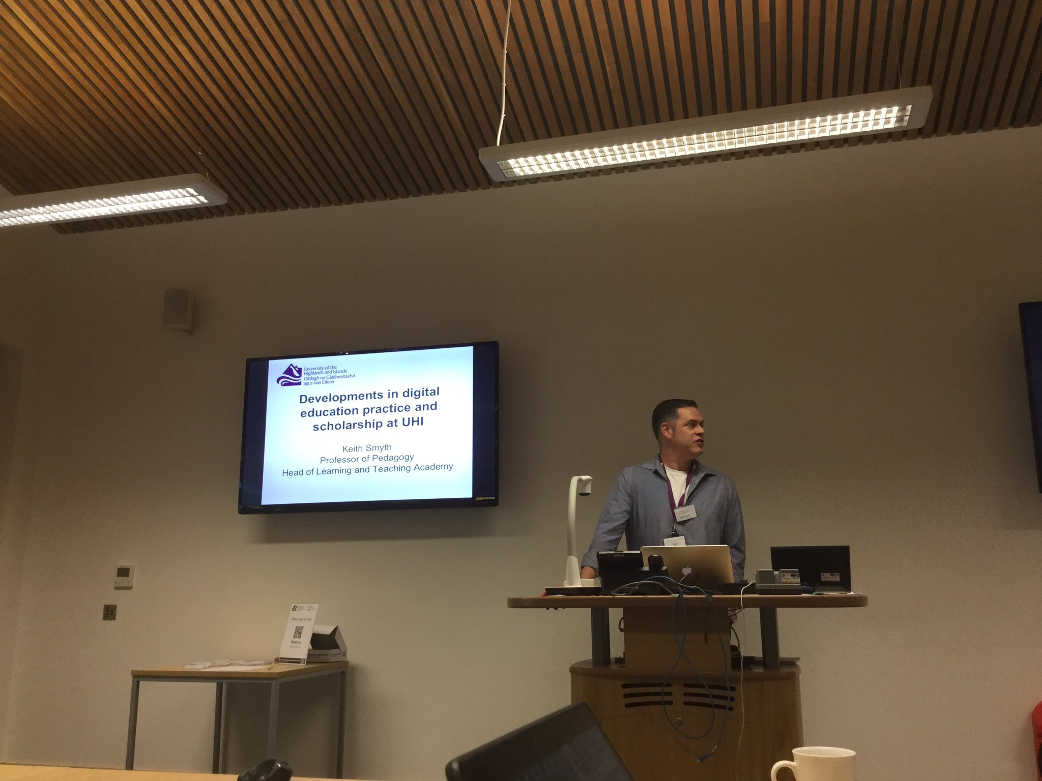 now @smythkrs giving us a view from UHI #elesig https://t.co/77q7uebYkY