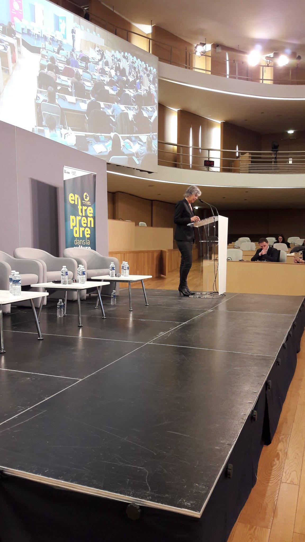 Florence Verney-Carron de @auvergnerhalpes ouvre le forum #EntreprendreCulture à Lyon ce matin https://t.co/wms6vlxRJm