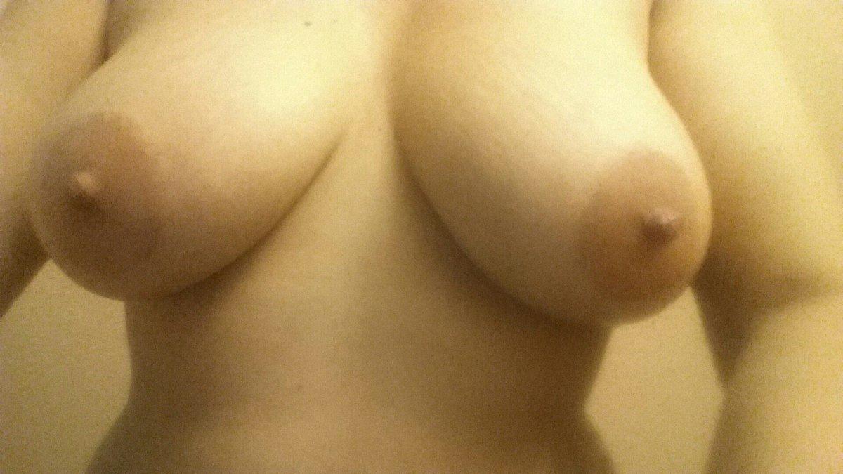 Nude Selfie 9503
