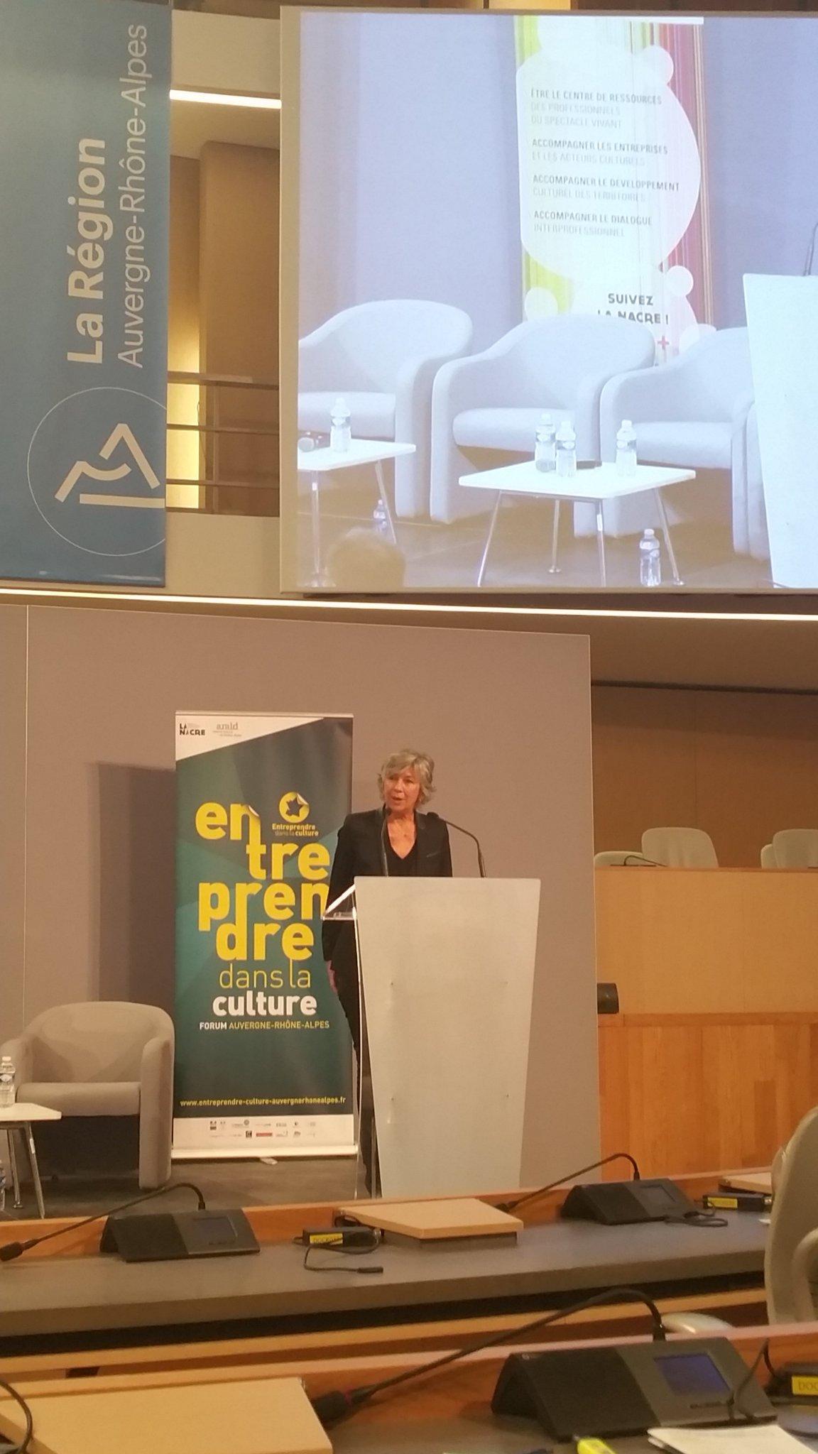 Florence Verney-Carron @auvergnerhalpes introduit la conférence en citant @Camille_Alcover #EntreprendreCulture https://t.co/z8s5cSOuYF https://t.co/PclGaCYZt3