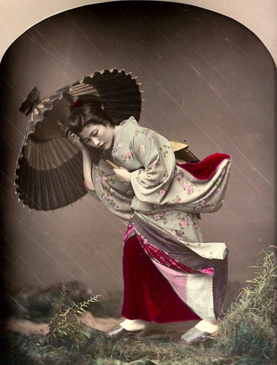 """Apre oggi la Mostra """"Un mondo allo specchio. Viaggio e fotografia nel Giappone dell'Ottocento"""" a Pavia"""