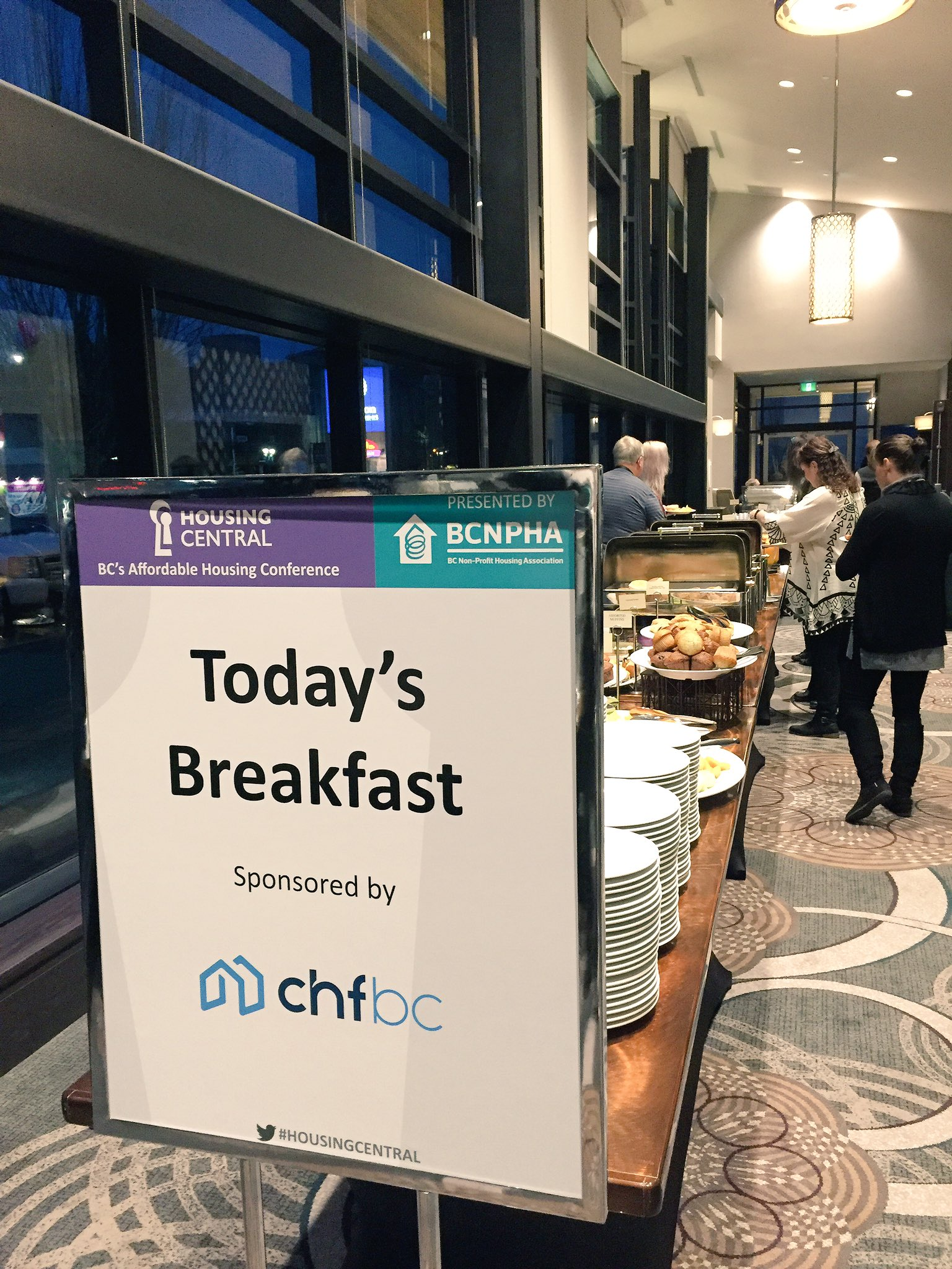 Thank you to #HousingCentral Platinum Sponsor @chfbc for a great first breakfast! Get ready to grab your food and mix + mingle! https://t.co/akyGHsuN2V