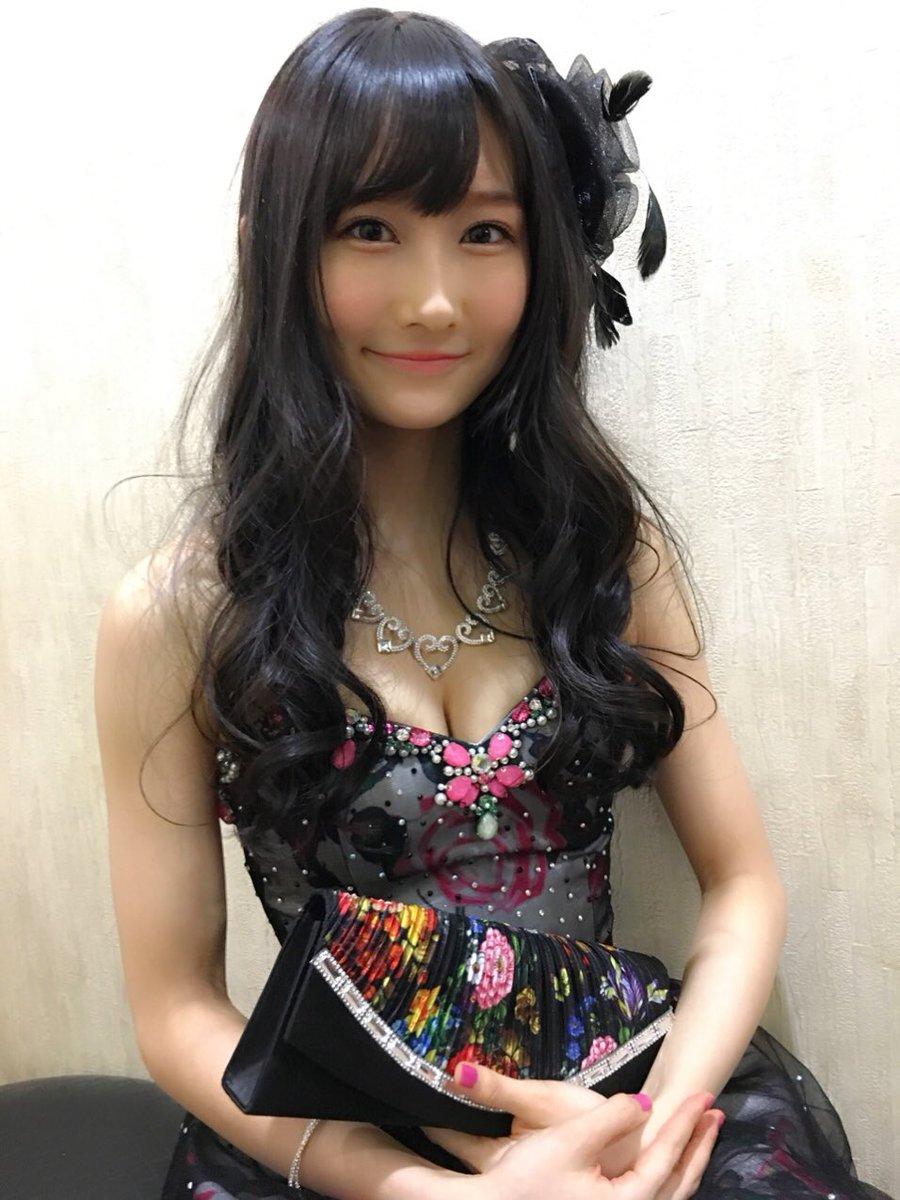 AKB48グループのメンバーたちが出演する新ドラマ『キャバスカ学園』にも出演中の矢倉楓子。