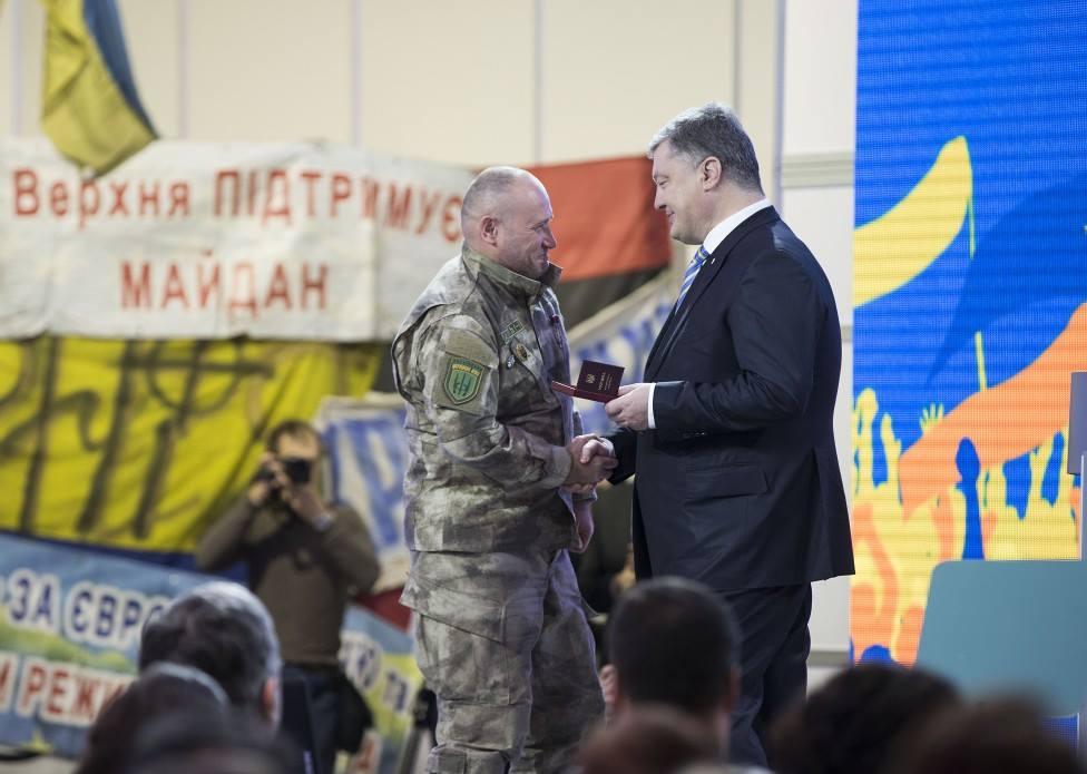 Филатов вручил пианисту Майдана (Piano Extremist) награду за оборону Днепропетровской области и борьбу с сепаратизмом - Цензор.НЕТ 623