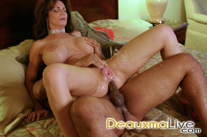 Deauxma Anal Squirt 87