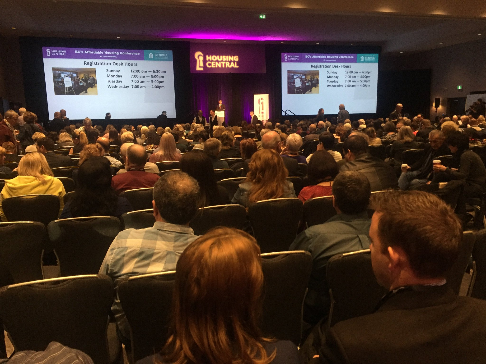 Full house at @BCNPHA #HousingCentral Plenary Keynote Speaker #DavidPeterStroh https://t.co/YxYzb8DQaF