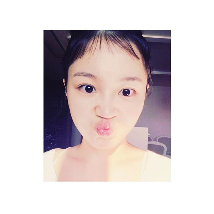 Lee Hi's bangs just remind me of Sarang's when it was cut really really short...