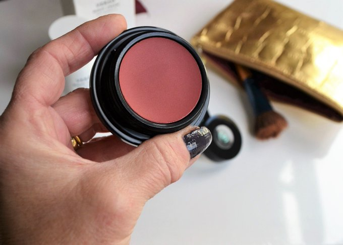 Vincent Longo Cosmetics For A Softer Blush