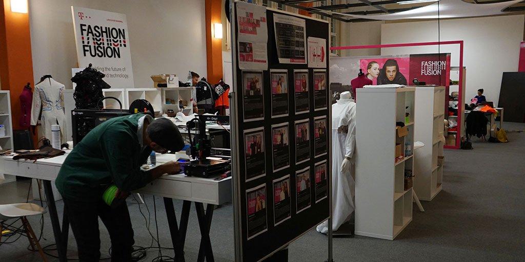 Social Media Post: Blog.#Telekom: @fashionfusion - Einblick in die #Digitalisierung...