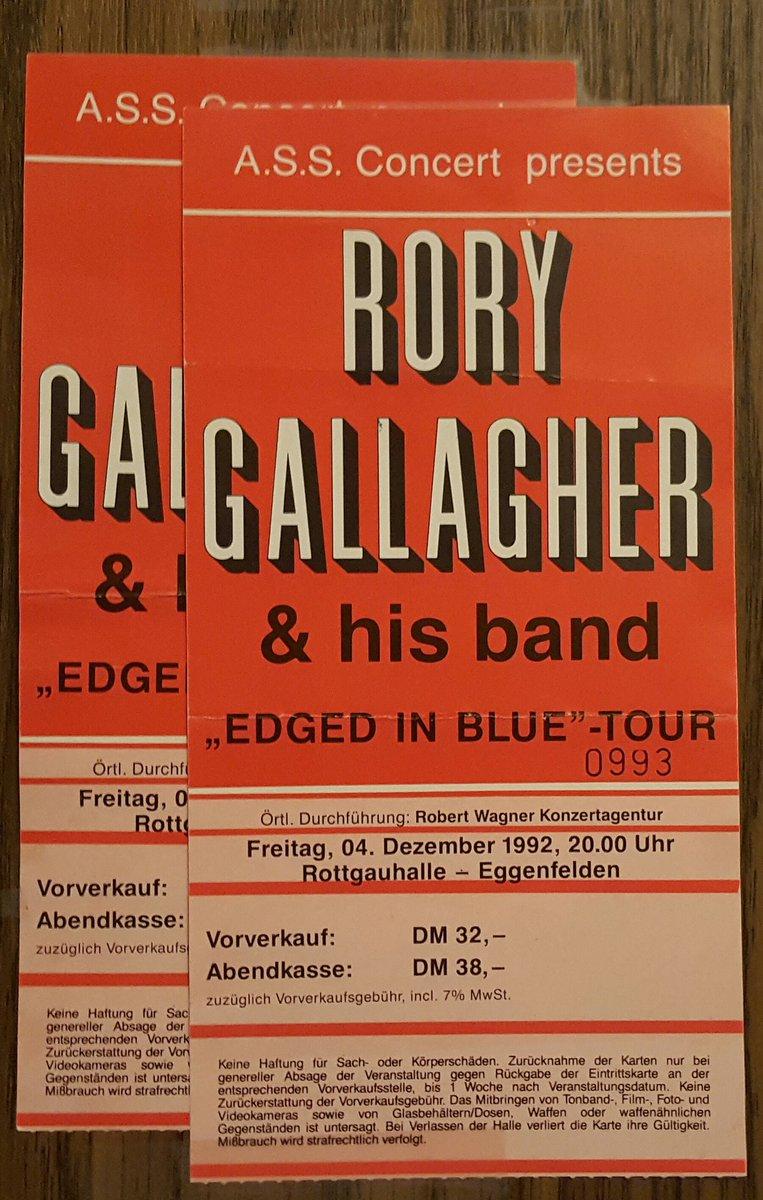 Tickets de concerts/Affiches/Programmes - Page 35 Cy1NCqTWQAAf3ZC