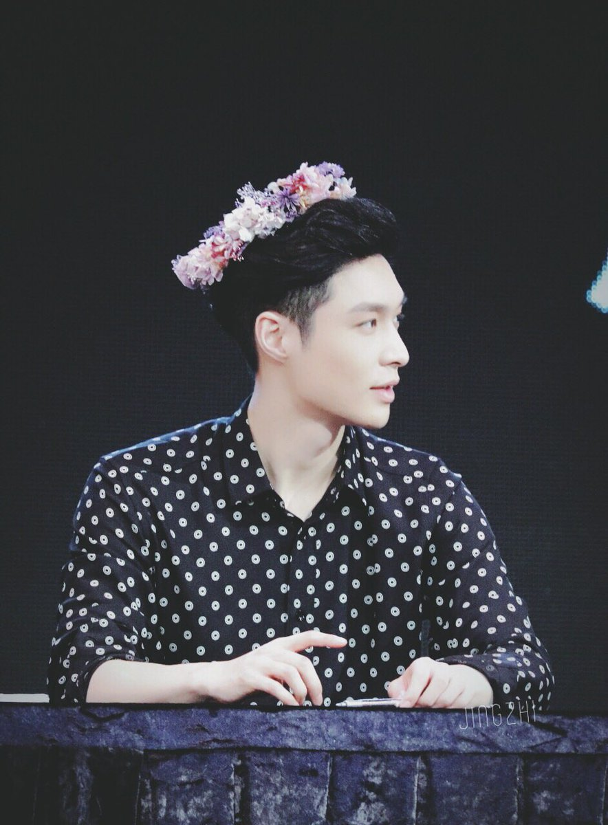 Yixing pics on twitter hes wearing a flower crown izmirmasajfo