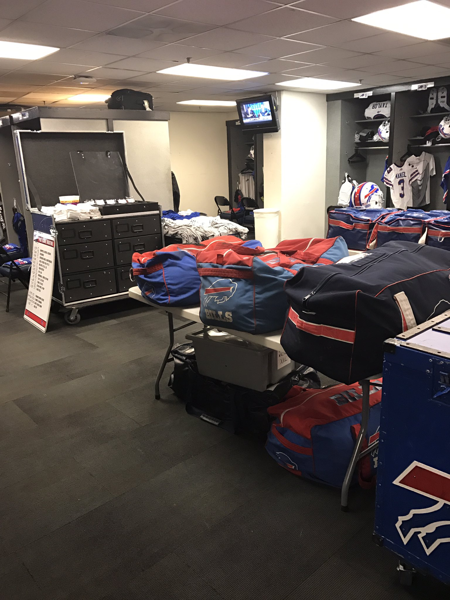 Our equipment room setup. https://t.co/0UMNNvDWif