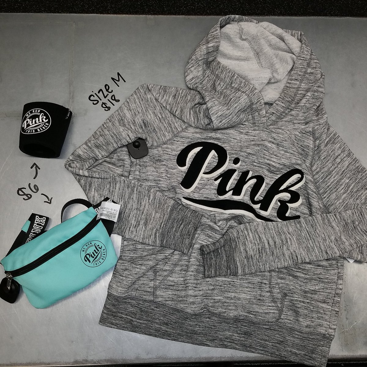 There's just came in and we are obsessing over them!#pink #platosclosetsarasota pic.twitter.com/97EQjCWKiY