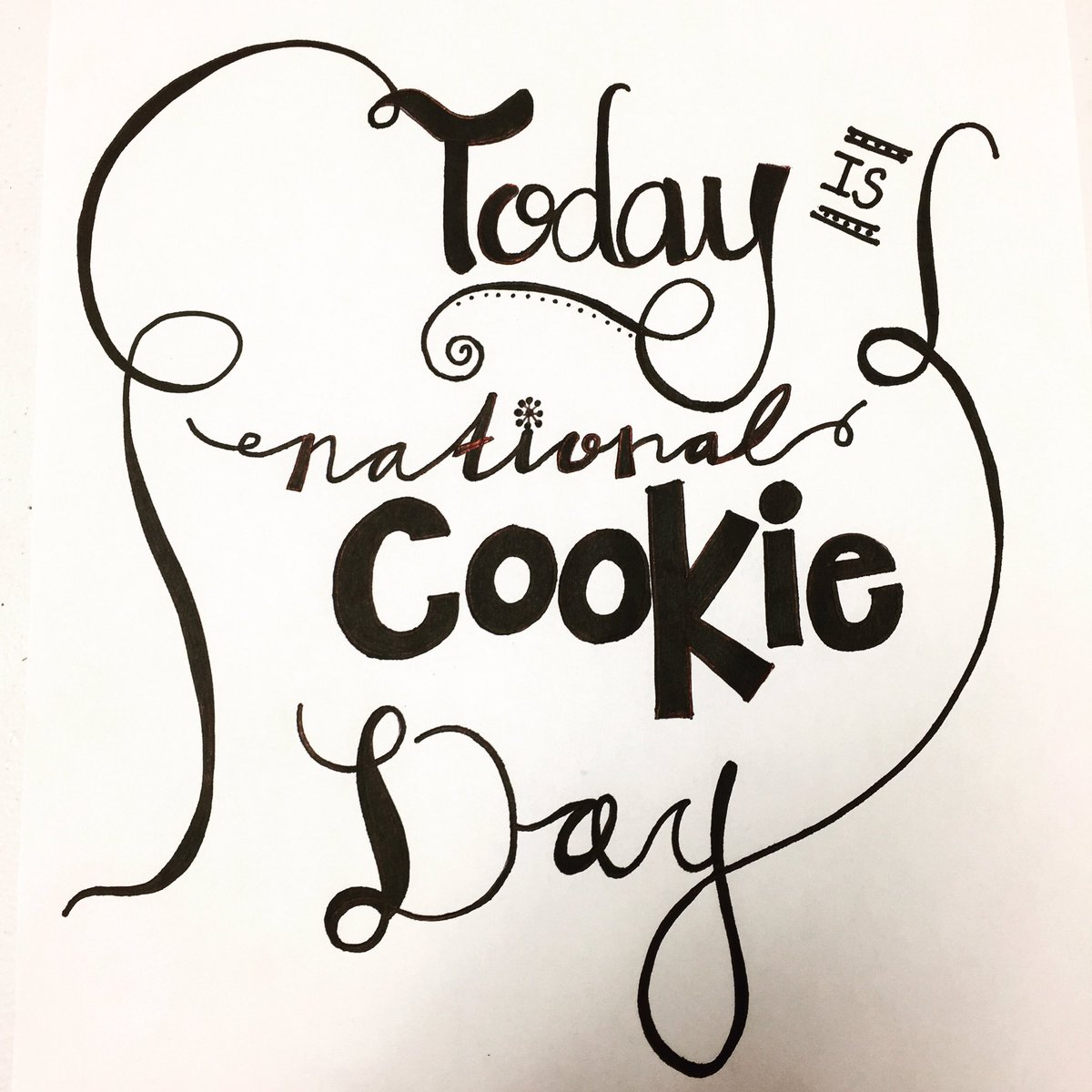 🍪✨🍪RT, like and follow for a chance to win a FREE HALF DOZEN!!! #nationalcookieday ✨🍪✨