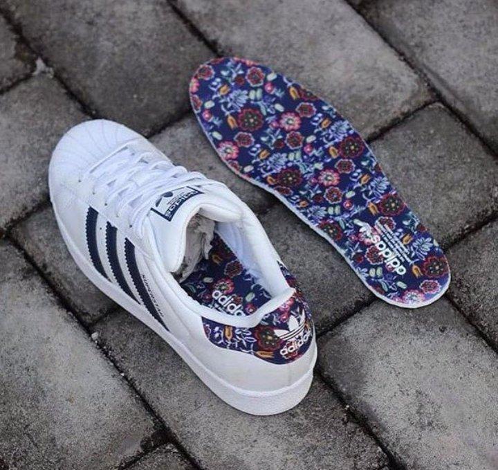 adidas superstar blue flowers