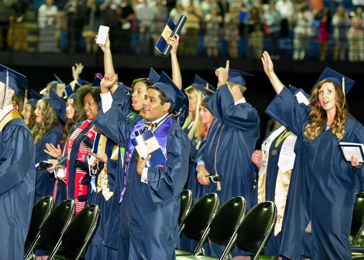 Etsu Graduation 2020.Etsu On Twitter The Etsu Fall 2016 Commencement