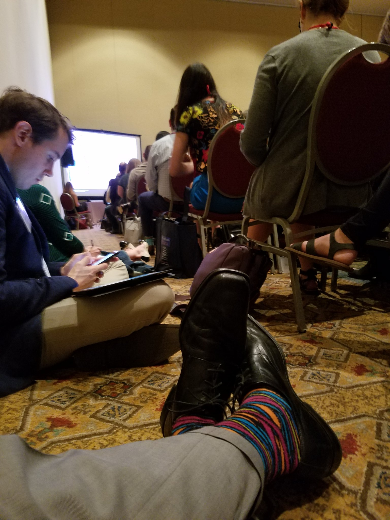 Overflow seating in Social Listening session. Those socks, though . . . #AMAHigherEd https://t.co/YmxYXQl3ZM