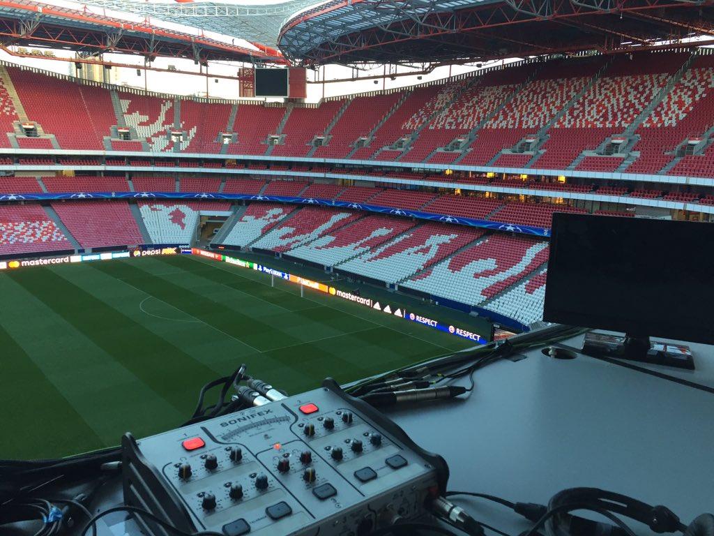 Vedere BENFICA NAPOLI Streaming gratis: link Rojadirecta Diretta TV in chiaro Oggi su Canale 5 (Champions League)