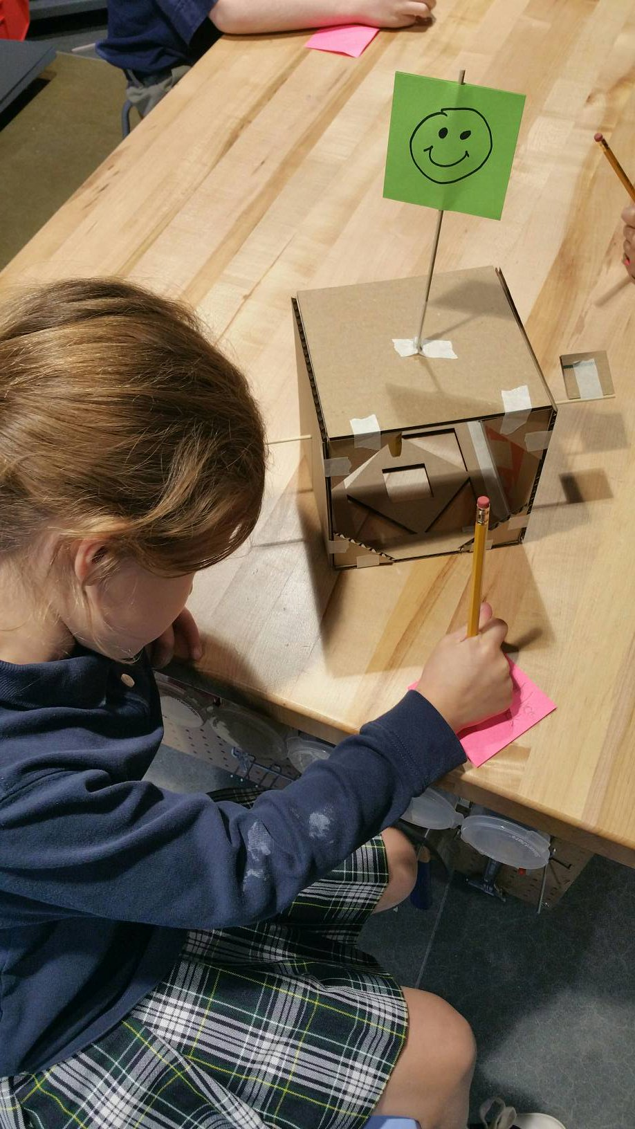 """""""We made an important observation that we want to share."""" #kidquote @AgencybyDesign's PPC #VTR helps #MVPSchool Gr1 look closely #MakerEd https://t.co/0eukdiCfgH"""
