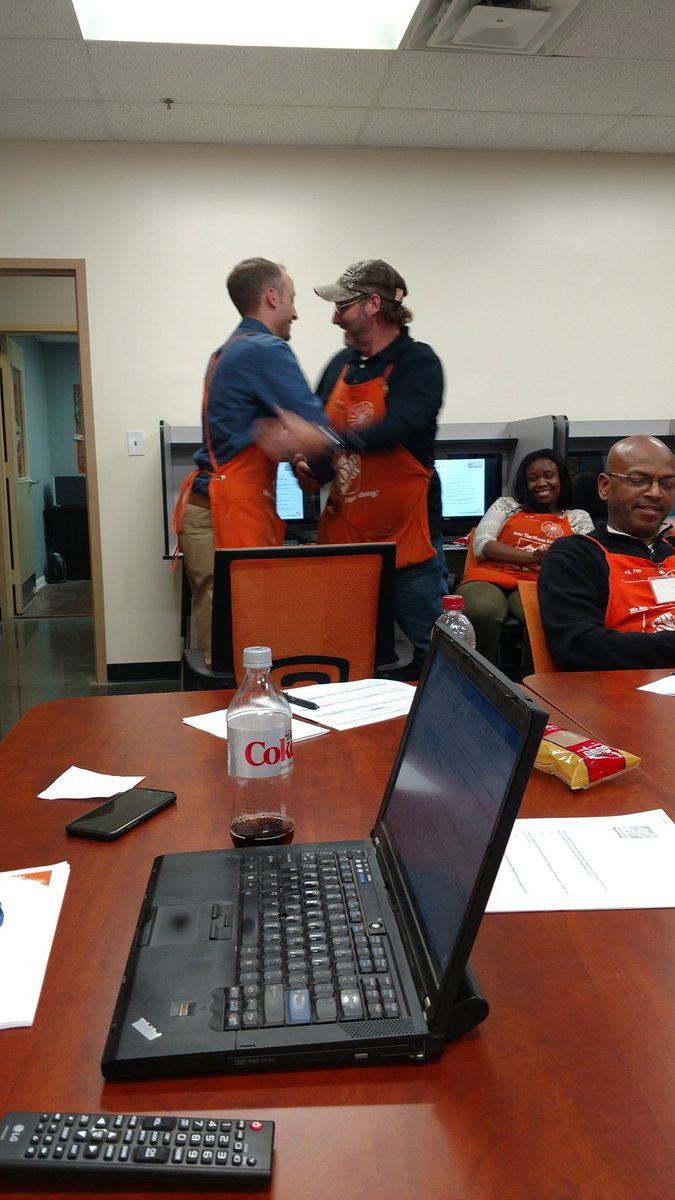 Awarding DS of the month for great customer engagement, great job Mike!  @Conyers0128 @JPatton89