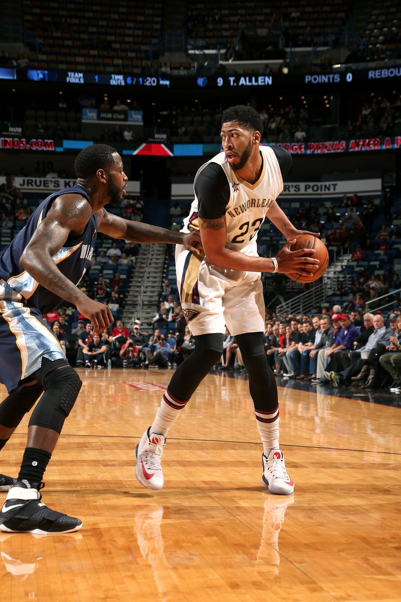 quality design 67e6f 2522a anthony davis in the nike air max audacity 2016 tonight vs memphis 28  points 17 rebounds