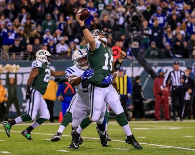 ( http:// NJ.com  &nbsp;  ) #Ryan Fitzpatrick benched for Bryce Petty as Colts dominate #Jets on Monday..  http://www. inusanews.com/article/175111 1612/ryan-fitzpatrick-bryce-petty-colts-jets-monday-night-football-benched-dominate &nbsp; … <br>http://pic.twitter.com/EBBKvrXEOX
