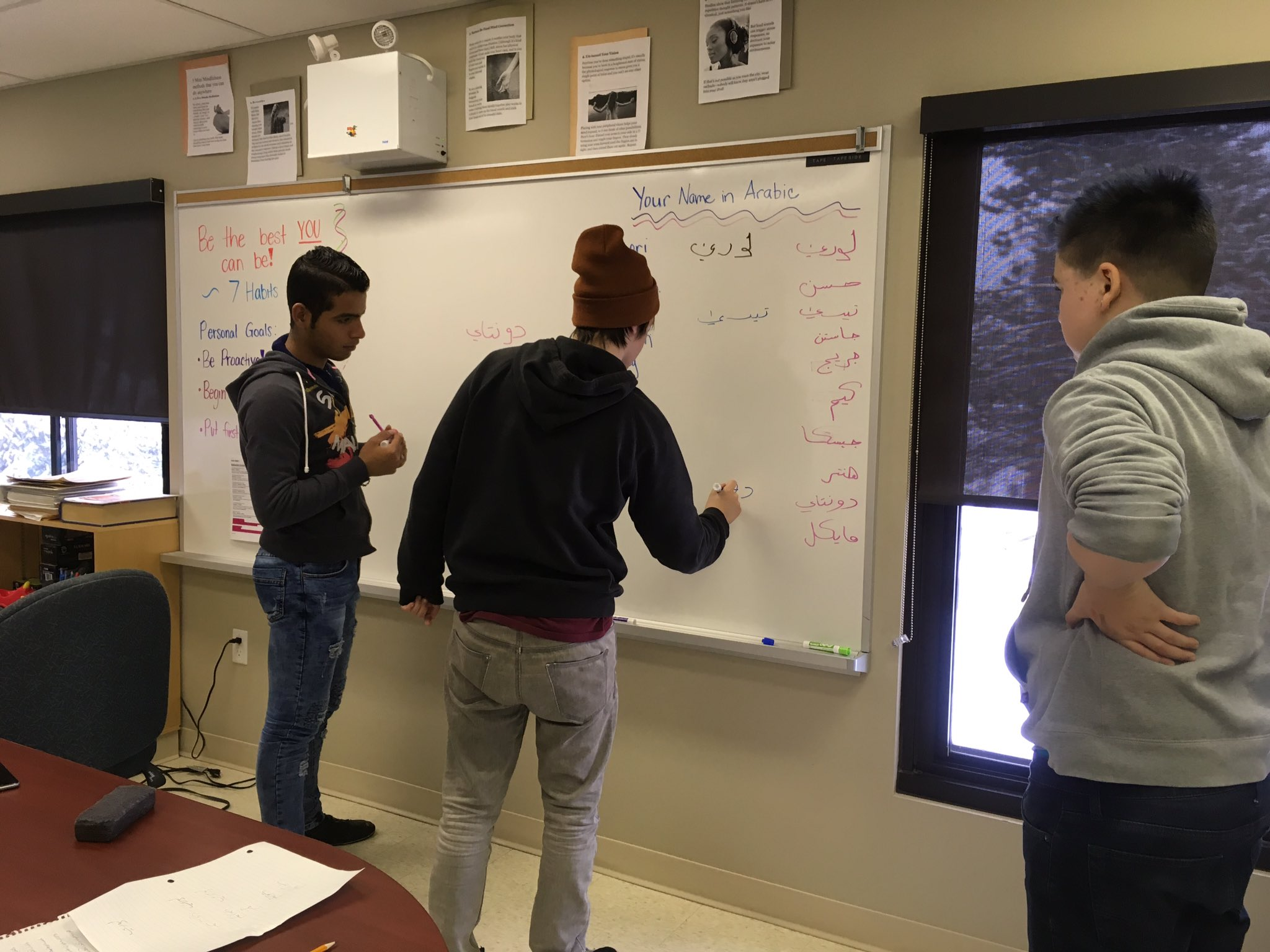 Our student from Syria teaching his peers @ Haliburton AETC to write their names in Arabic #tldsblearns @TLDSBAETCs https://t.co/VjRNKpnMEy