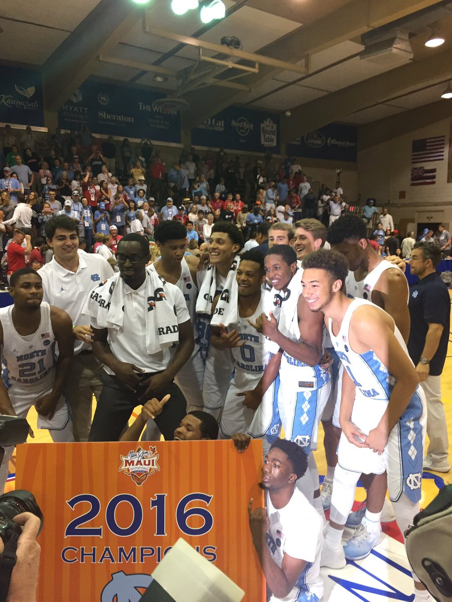 Ladies and gentlemen. Your 2016 #MauiHoops champions. @UNC_Basketball https://t.co/SM1vz1NFRJ