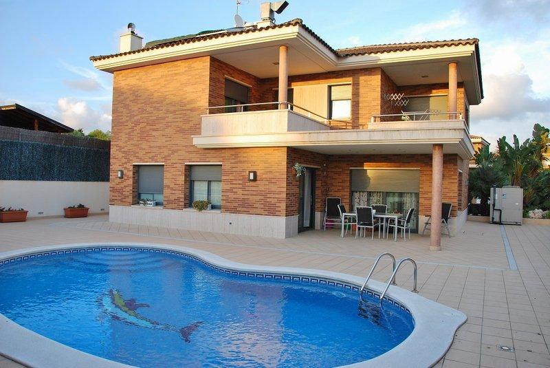 Maisons de luxe maisondelux twitter for Plan de maison de luxe avec piscine