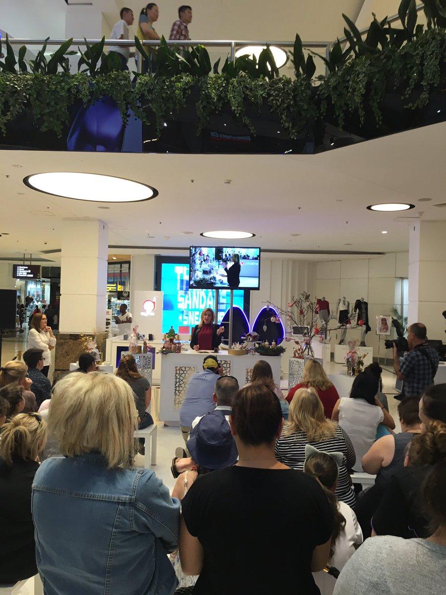 @CupcakeAddictAU is CENTRE STAGE @westfieldparramatta #Sweetcelebrationscookbook <br>http://pic.twitter.com/1gHtpZ8a4I