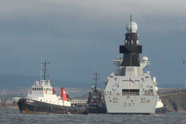 Aircraft Carrier Admiral Kuznetsov: News #1 - Page 23 CyArGyAW8AAMUeb