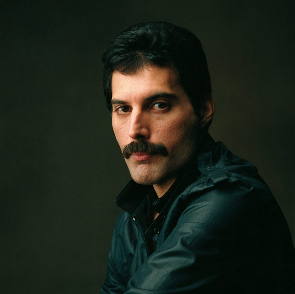 Freddie Mercury: 1946 - 1991 - Lover Of Life, Singer Of Songs https://t.co/jK7BYLezhF